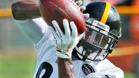 <p>               Pittsburgh Steelers wide receiver Antonio Brown makes a catch during drills at practice during NFL football training camp in Latrobe, Pa., Monday, Aug. 13, 2018 . (AP Photo/Keith Srakocic)             </p>