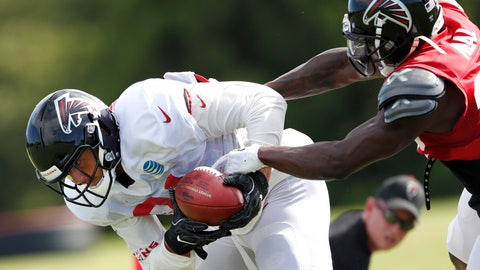 <p>               Atlanta Falcons tight end Austin Hooper (81) makes a catch as defensive back Keanu Neal (22) defends during NFL football training camp, Tuesday, Aug. 7, 2018, in Flowery Branch, Ga. (AP Photo/John Bazemore)             </p>