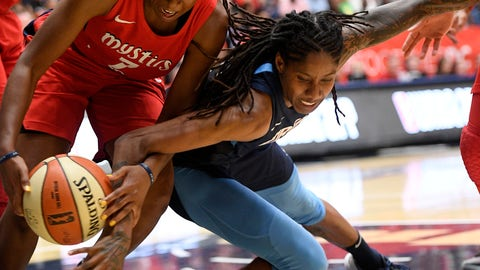 <p>               Washington Mystics guard Ariel Atkins, left, battles for the ball against Atlanta Dream forward Jessica Breland, right, during the first half of Game 3 of a WNBA basketball playoffs semifinal Friday, Aug. 31, 2018, in Washington. (AP Photo/Nick Wass)             </p>