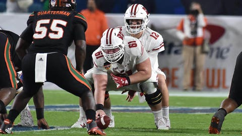 Badgers to face Miami in Pinstripe Bowl