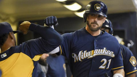 Yelich hits 2 HRs, Brewers draw even in NL Central with Cubs