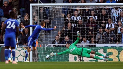 <p>               Leicester City's Jamie Vardy scores his side's first goal of the game from the penalty spot during their English Premier League soccer match against Newcastle United at St James' Park, Newcastle, England, Saturday, Sept. 29, 2018. (Owen Humphreys/PA via AP)             </p>
