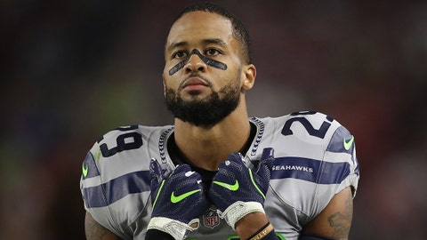 GLENDALE, AZ - OCTOBER 23:  Free safety Earl Thomas #29 of the Seattle Seahawks reacts during the first half of the NFL game against the Arizona Cardinals at the University of Phoenix Stadium on October 23, 2016 in Glendale, Arizona.  (Photo by Christian Petersen/Getty Images)
