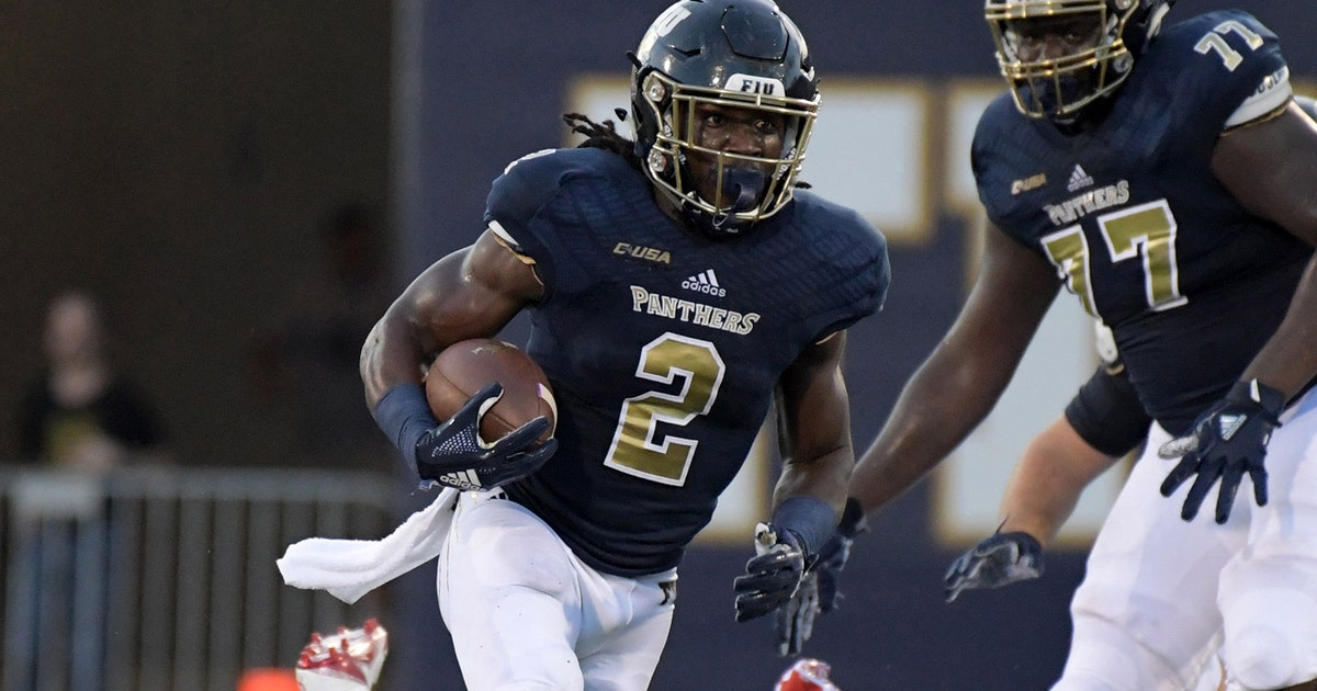 Police Say 2 Fiu Football Players Have Been Shot Are Hospitalized