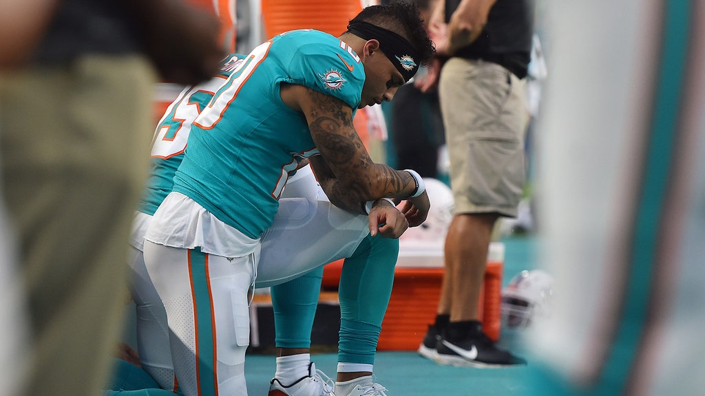 a69f39bf Dolphins WR Kenny Stills encouraged by Nike's ad deal with Colin ...