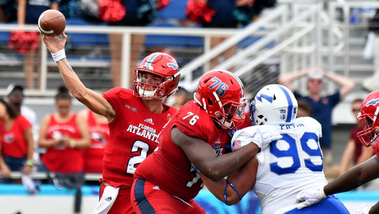 FAU QB Chris Robison sets school record with 471 yards, 3 TDs in win over Air Force