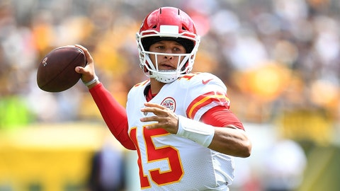 PITTSBURGH, PA - SEPTEMBER 16: Patrick Mahomes #15 of the Kansas City Chiefs drops back to pass in the first quarter during the game against the Pittsburgh Steelers at Heinz Field on September 16, 2018 in Pittsburgh, Pennsylvania. (Photo by Joe Sargent/Getty Images)