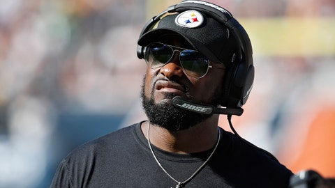 CHICAGO, IL - SEPTEMBER 24: Pittsburgh Steelers head coach Mike Tomlin looks on during a game against the Chicago Bears at Soldier Field on September 24, 2017 in Chicago, Illinois. The Bears won 23-17 in overtime. (Photo by Joe Robbins/Getty Images)