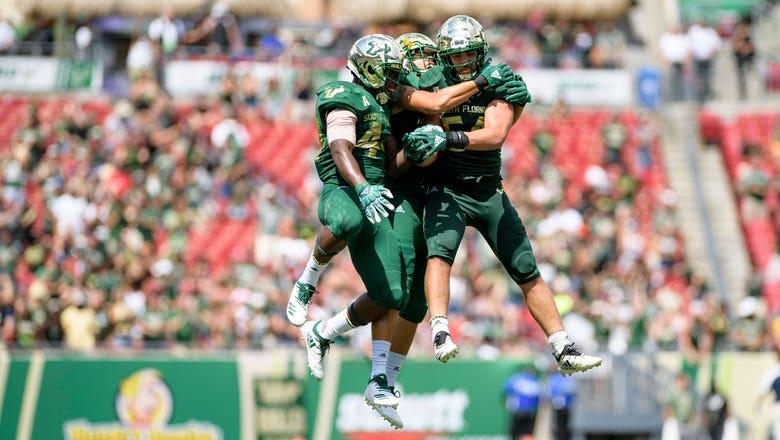 Jordan Cronkrite's 80-yard touchdown run seals USF's 20-13 win over East Carolina