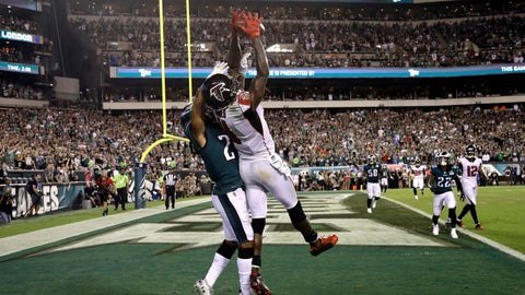 <p>               Atlanta Falcons' Julio Jones, front right, cannot catch a pass against Philadelphia Eagles' Ronald Darby during the final second of an NFL football game early Friday, Sept. 7, 2018, in Philadelphia. Philadelphia won 18-12. (AP Photo/Michael Perez)             </p>