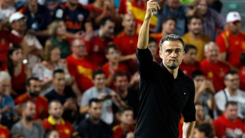 <p>               Spain head coach Luis Enrique gives instructions to his players during the UEFA Nations League soccer match between Spain and Croatia at the Manuel Martinez Valero stadium in Elche, Spain, Tuesday Sept. 11, 2018. (AP Photo/Alberto Saiz)             </p>