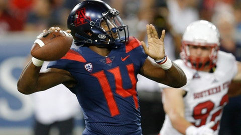 <p>               Arizona quarterback Khalil Tate (14) throws downfield against Southern Utah in the first half during an NCAA college football game, Saturday, Sept. 15, 2018, in Tucson, Ariz. (AP Photo/Rick Scuteri)             </p>