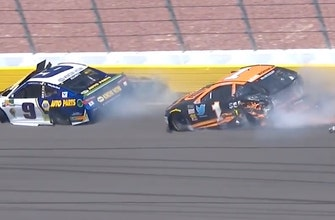 Jamie McMurray collects Chase Elliott after tire failure | 2018 LAS VEGAS