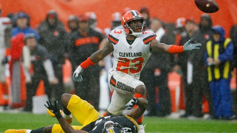 <p>               Cleveland Browns defensive back Damarious Randall (23) reaches but can't get to the ball during overtime in an NFL football game against Pittsburgh Steelers wide receiver JuJu Smith-Schuster (19), Sunday, Sept. 9, 2018, in Cleveland. The Browns and the Steelers tied at 21-21. (AP Photo/Ron Schwane)             </p>