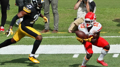 <p>               Kansas City Chiefs wide receiver Tyreek Hill (10) makes a catch past Pittsburgh Steelers cornerback Artie Burns (25) and takes it in for a touchdown in the second half of an NFL football game, Sunday, Sept. 16, 2018, in Pittsburgh. The Kansas City Chiefs won 42-37. (AP Photo/Gene J. Puskar)             </p>
