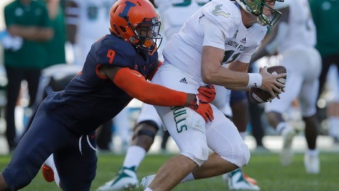 <p>               South Florida's Blake Barnett, right, is sacked by Illinois's Dele Harding during the second half of an NCAA college football game Saturday, Sept. 15, 2018, in Chicago. (AP Photo/Jim Young)             </p>