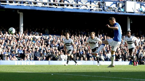 <p>               Everton's Gylfi Sigurdsson takes a penalty and misses during the English Premier League soccer match between Everton and Fulham at Goodison Park, Liverpool, England, Saturday, Sept. 29, 2018. (Peter Byrne/PA via AP)             </p>
