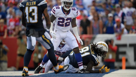 <p>               Buffalo Bills' Vontae Davis, center, gets up after Los Angeles Chargers' Mike Williams, right, scores a touchdown during the first half of an NFL football game, Sunday, Sept. 16, 2018, in Orchard Park, N.Y. How's THAT for a halftime adjustment? While the rest of the Buffalo Bills jogged into the locker room at halftime of their game against the Los Angeles Chargers, cornerback Vontae Davis jogged in, then just kept on going. Later, Davis posted on Twitter that he was, in fact, calling it a career.(AP Photo/Adrian Kraus)             </p>