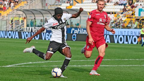 <p>               Parma's Gervinho, left, scores his side's 2nd goal during the Serie A soccer match between Parma and Cagliari at the Ennoi Tardini Stadium in Parma, Italy, Saturday, Sept. 22, 2018. (Elisabetta Baracchi/ANSA via AP)             </p>