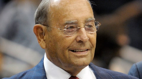 <p>               FILE - In this Oct. 10, 2010, file photo, Richard DeVos, Orlando Magic owner and Amway Inc. co-founder, smiles after welcoming fans to the new Amway Center before a preseason NBA basketball game against the New Orleans Hornets in Orlando, Fla. DeVos, the billionaire father-in-law of Education Secretary Betsy DeVos, died Thursday, Sept. 6, 2018. He was 92. (AP Photo/Phelan M. Ebenhack, File)             </p>