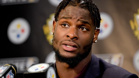 <p>               FILE - In this Oct. 22, 2017, file photo, Pittsburgh Steelers running back Le'Veon Bell (26) answers questions at a post-game meeting with reporters following a 29-14 win over the Cincinnati Bengals in an NFL football game in Pittsburgh. The Steelers are beginning preparations for their Week 1 opener against Cleveland without All-Pro running back Le'Veon Bell. Bell did not arrive at the team's facility in time for practice on Monday and has yet to sign his one-year franchise tender, leaving his status for Sunday's visit to the Browns in doubt. (AP Photo/Fred Vuich, File)             </p>