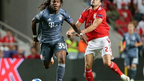 <p>               Benfica's Pizzi, right, and Bayern midfielder Renato Sanches fight for the ball during the Champions League group E soccer match between Benfica and Bayern Munich at the Luz stadium in Lisbon, Wednesday, Sept. 19, 2018. (AP Photo/Armando Franca)             </p>