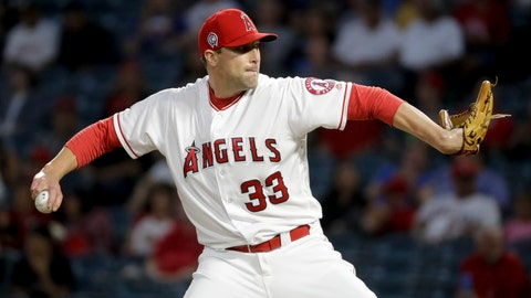 <p>               Los Angeles Angels relief pitcher Jim Johnson throws against the Texas Rangers during the first inning of a baseball game in Anaheim, Calif., Tuesday, Sept. 11, 2018. (AP Photo/Chris Carlson)             </p>