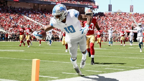 SANTA CLARA, CA - SEPTEMBER 16:  Kenny Golladay #19 of the Detroit Lions dives in for a touchdown against the San Francisco 49ers at Levi's Stadium on September 16, 2018 in Santa Clara, California.  (Photo by Ezra Shaw/Getty Images)