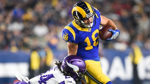 LOS ANGELES, CA - SEPTEMBER 27: Wide receiver Cooper Kupp #18 of the Los Angeles Rams catches and rushes defended by defensive back Holton Hill #24 of the Minnesota Vikings at Los Angeles Memorial Coliseum on September 27, 2018 in Los Angeles, California. (Photo by Kevork Djansezian/Getty Images)