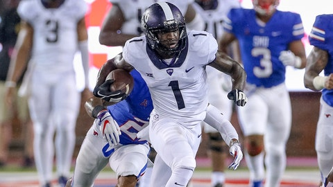 DALLAS, TX - SEPTEMBER 07: TCU Horned Frogs wide receiver Jalen Reagor (1) breaks free for a long gain during the football game between the TCU Horned Frogs and SMU Mustangs on September 7, 2018 at Gerald Ford Stadium in Dallas, TX. (Photo by Andrew Dieb/Icon Sportswire via Getty Images)