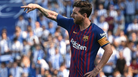 Lionel Messi scores Champions League hat-trick against PSV