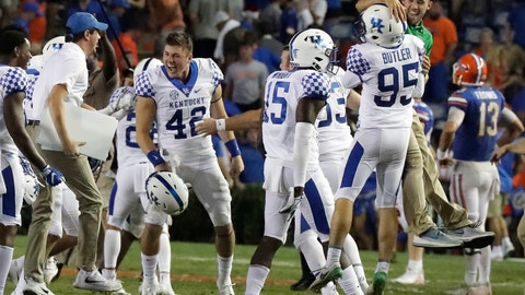 <p>               Kentucky players celebrate on the field after defeating Florida 27-16 in an NCAA college football game, Saturday, Sept. 8, 2018, in Gainesville, Fla. (AP Photo/John Raoux)             </p>