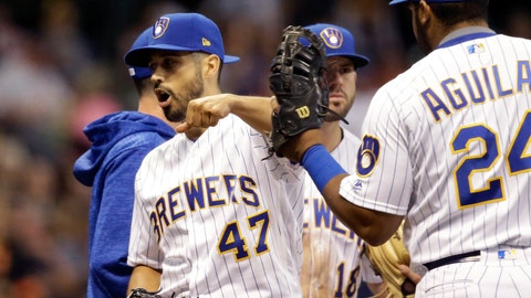 <p>               Milwaukee Brewers starting pitcher Gio Gonzalez (47) reacts after being removed from the game against the San Francisco Giants during the sixth inning of a baseball game, Saturday, Sept. 8, 2018, in Milwaukee. (AP Photo/Jeffrey Phelps)             </p>