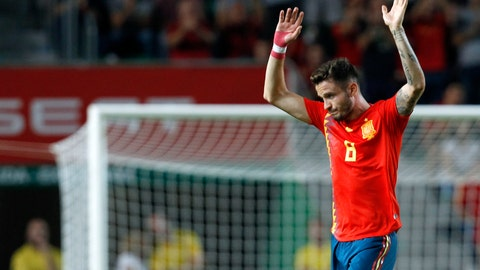 <p>               Spain's Saul Niguez greets supporters and leaves the field during the UEFA Nations League soccer match between Spain and Croatia at the Manuel Martinez Valero stadium in Elche, Spain, Tuesday Sept. 11, 2018. (AP Photo/Alberto Saiz)             </p>