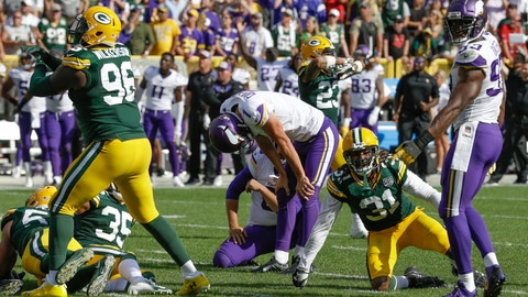 <p>               Minnesota Vikings kicker Daniel Carlson reacts after missing a field goal in the final seconds of overtime an NFL football game against the Green Bay Packers Sunday, Sept. 16, 2018, in Green Bay, Wis. The game ended in a 29-29 tie. (AP Photo/Mike Roemer)             </p>