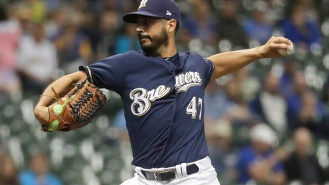 <p>               Milwaukee Brewers starting pitcher Gio Gonzalez throws during the first inning of a baseball game against the Cincinnati Reds Wednesday, Sept. 19, 2018, in Milwaukee. (AP Photo/Morry Gash)             </p>