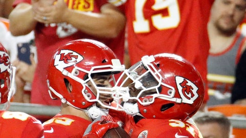 <p>               Kansas City Chiefs running back Darrel Williams, right, celebrates his touchdown with tight end Jace Amaro (89) during the first half of an NFL preseason football game against the Green Bay Packers in Kansas City, Mo., Thursday, Aug. 30, 2018. (AP Photo/Charlie Riedel)             </p>