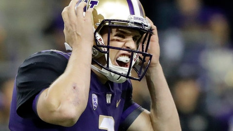 <p>               FILE - In this Saturday, Sept. 22, 2018, file photo, Washington quarterback Jake Browning calls to his team at the line of scrimmage during the first half of an NCAA college football game against Arizona State in Seattle. Closing out a victory when you have the ball and a narrow lead with time running out can require some math proficiency and a little creativity. Washington sealed its 27-20 victory over Arizona State when Browning ran around in the backfield just long enough on a third-down play to assure that a punt wasn't necessary.  (AP Photo/Ted S. Warren, File)             </p>