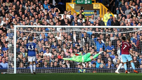 <p>               Everton goalie Jordan Pickford fails to stop a shot from West Ham United's Andriy Yarmolenko, not pictured, scoring his side's second goal of the game during their English Premier League soccer match at Goodison Park in Liverpool., England, Sunday Sept. 16, 2018. (Peter Byrne/PA via AP)             </p>