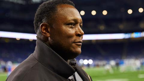 <p>               FILE - In this Monday, Sept. 10, 2018, file photo, former Detroit Lions Hall of Fame running back Barry Sanders smiles on the sidelines before an NFL football game against the New York Jets in Detroit. Sanders will join the Detroit Lions for their next game in Dallas, on Sunday, Sept. 30, as an ambassador for a team he left behind with a sudden retirement that created a rift between him and the franchise and fans. (AP Photo/Rick Osentoski, File)             </p>