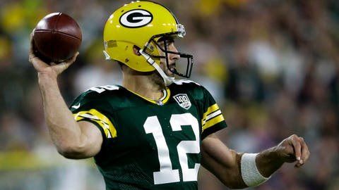 Rodgers returns to Packers practice after injuring knee