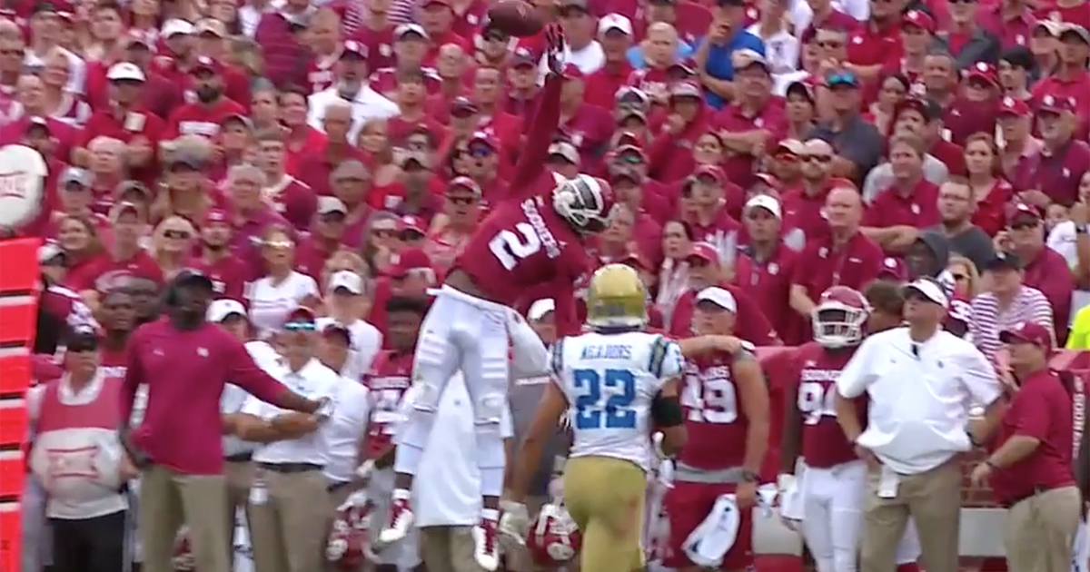 e6954510d Oklahoma s CeeDee Lamb made the catch of the year vs. UCLA … even if it  didn t count