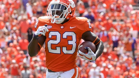 2. Clemson Tigers (1498 Points - 3 First Place Votes)