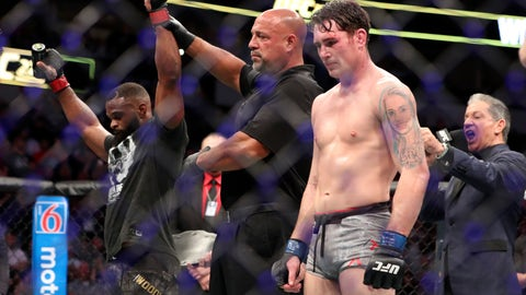 Woodley dominates Till to retain Welterweight title at UFC 228 in Dallas