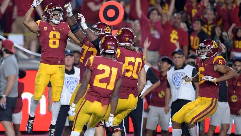 RECAP: JT Daniels tosses 3 TDs; Blocked FG helps USC edge Washington State