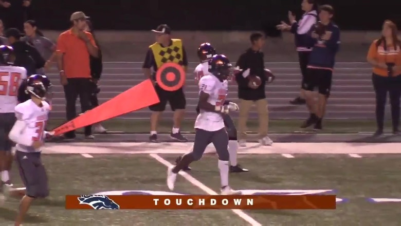 Week 3: Xavier Ward drops pretty long ball in stride for Roosevelt touchdown