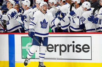 Matthews scores 2 and helps Maple Leafs beat Red Wings 5-3