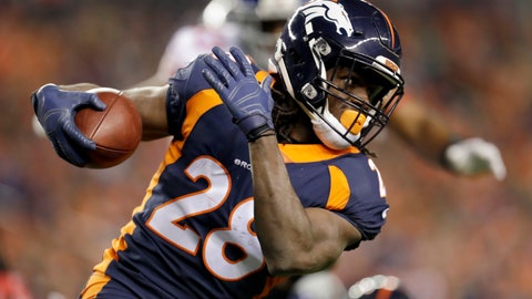 <p>               FILE - In this Oct. 15, 2017, file photo, Denver Broncos running back Jamaal Charles runs with the ball during the first half of an NFL football game against the New York Giants in Denver. The Jacksonville Jaguars signed Charles to a one-year contract Tuesday, OCt. 9, 2018, and expect him to contribute at Dallas on Sunday (AP Photo/Joe Mahoney, File)             </p>
