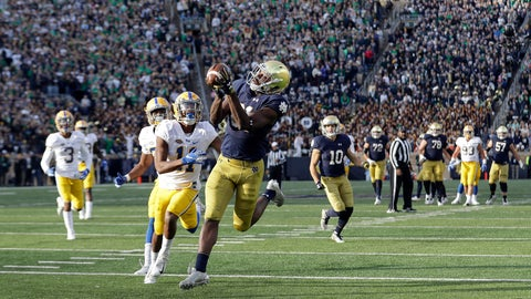 <p>               Notre Dame wide receiver Miles Boykin (81) makes the game winning touchdown catch against Pittsburgh defensive back Dane Jackson during the second half of an NCAA college football game, Saturday, Oct. 13, 2018, in South Bend, Ind. Notre Dame won 19-14. (AP Photo/Darron Cummings)             </p>