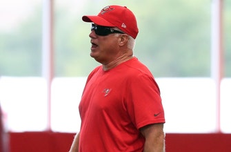 Slumping Buccaneers fire defensive coordinator Mike Smith after 3rd straight loss